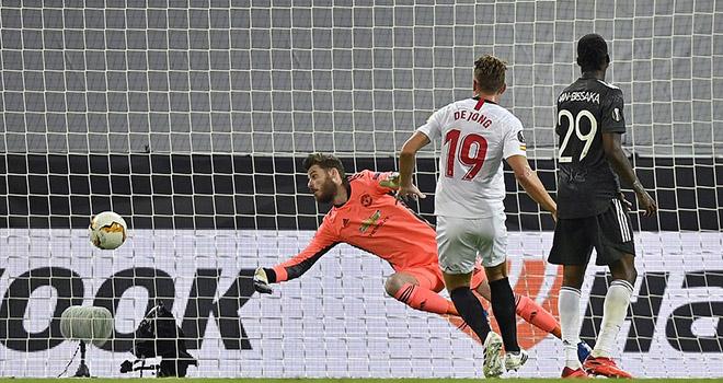 Ket qua bong da. Sevilla vs MU. Kết quả Cúp C2. Ole chuyên gia bị loại ở bán kết, kết quả bóng đá, Sevilla 2-1 MU, video Sevilla 2-1 MU, Ole Solskjaer, Europa League, C2
