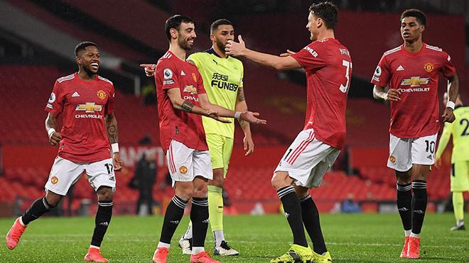 Cuộc đua vô địch Ngoại hạng Anh, BXH Ngoại hạng Anh, MU, Man City, Liverpool, BXH Anh, kết quả Ngoại hạng Anh, BXH bóng đá Anh, lịch thi đấu bóng đá Anh, derby Manchester