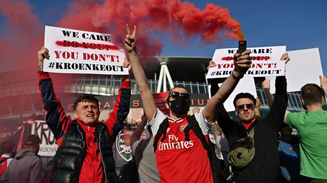 Arsenal, Spotify, Spotify mua Arsenal, Spotify mua lại Arsenal, Stan Kroenke, Daniel Ek, huyền thoại Arsenal, Thierry Henry, Dennis Bergkamp, Patrick Vieira, giá Arsenal