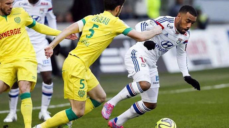 Soi kèo nhà cái Nantes vs Lyon và nhận định bóng đá Pháp Ligue 1 (02h00, 28/8)