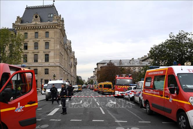 Pháp: Kẻ tấn công cảnh sát ở Paris có tư tưởng cực đoan
