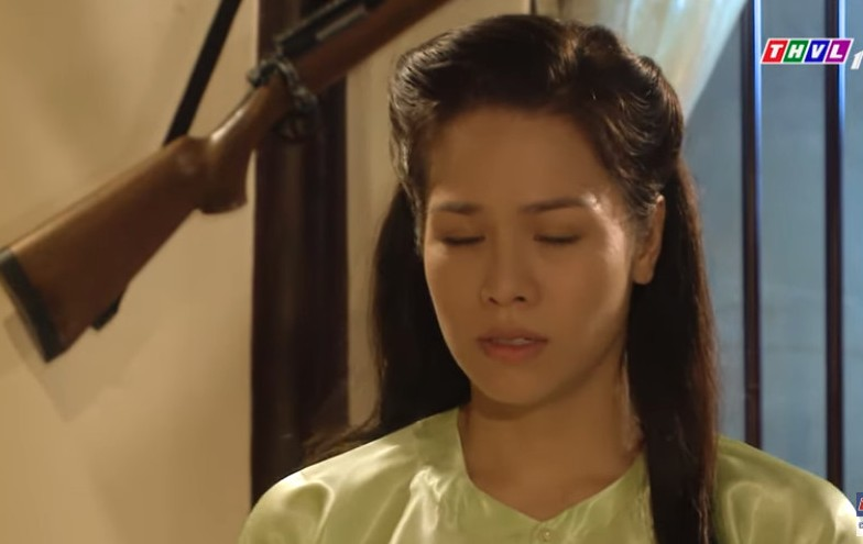 Xem 'Tiếng sét trong mưa' tập 17:  Thị Bình ghen khi thấy ảnh cô gái xinh đẹp trong túi cậu Ba