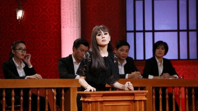 Xem tập 8 ' Phiên tòa tình yêu': Lâm Khánh Chi 'tố' chồng bắt nhịn... cơm, cấm mặc hở hang