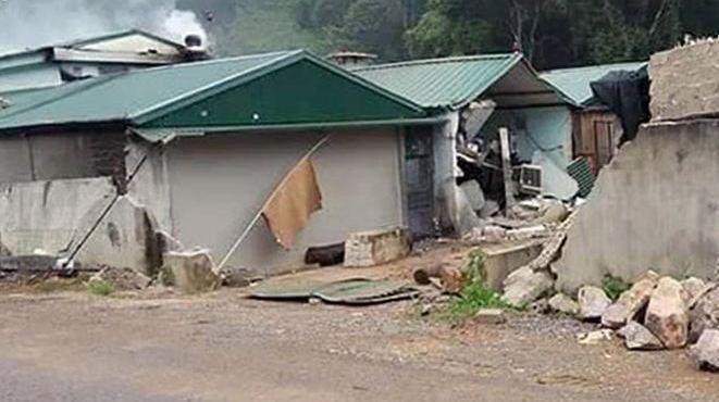 VIDEO khám 'sào huyệt ma túy' ở xã Lóng Luông phát hiện 3 thi thể vẫn cầm chặt súng