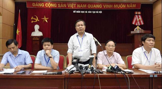 Giáo viên làm lọt đề thi vào lớp 10 tại Hà Nội bị tạm đình chỉ công tác