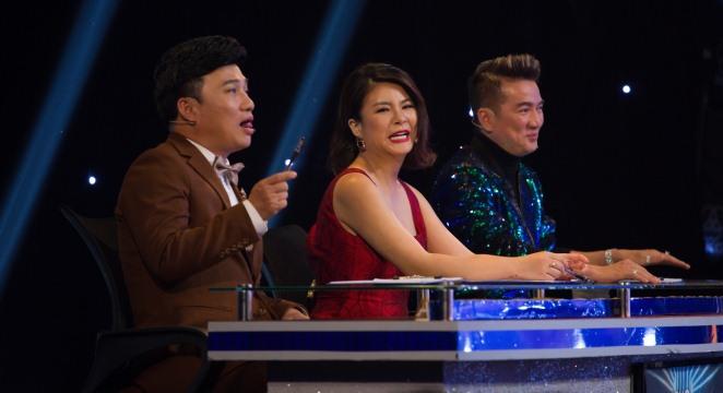 Tập 2 'Gương mặt thân quen': Quang Linh nhận danh hiệu 'người sống lâu nhất showbiz'