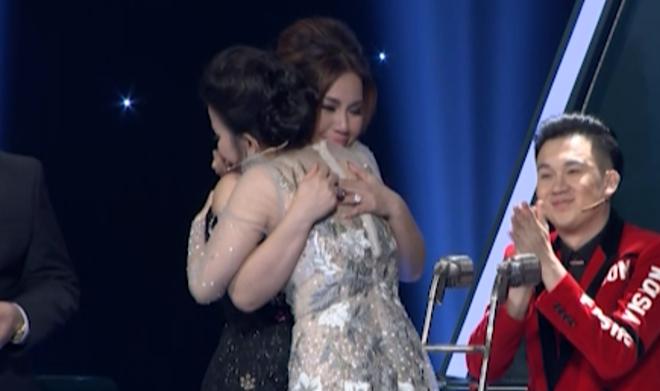 Tập 3 'Tuyệt đỉnh song ca': Minh Tuyết – Cẩm Ly rơi lệ vì cặp đôi hát... chưa thuyết phục