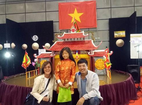 Phan Thanh Liêm 'chu du' châu Âu cùng sân khấu rối nước vỏn vẹn 200kg