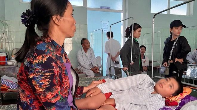 Cô giáo cho học sinh tát bạn ở Quảng Bình bị tạm đình chỉ công tác
