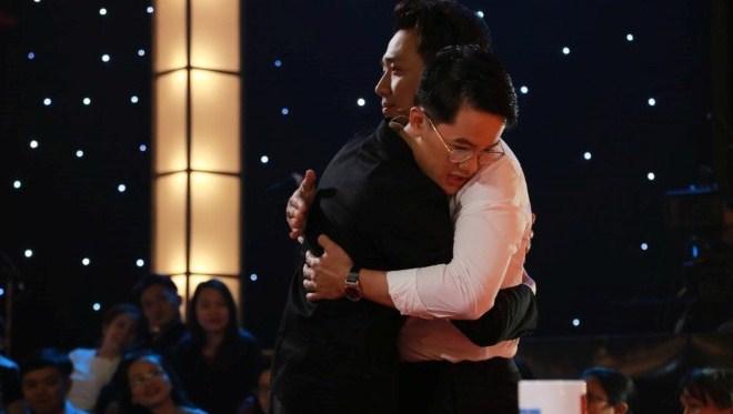 Tập 7' Thách thức danh hài': Trấn Thành rút tiền túi tặng thí sinh có hoàn cảnh đặc biệt