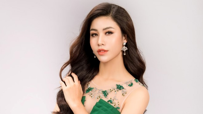 Á hậu Ngọc Huyền khoe dáng chuẩn trong trang phục dạ hội dự Miss Model of the world 2018