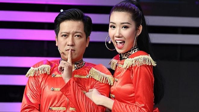 VIDEO: Thúy Ngân tình tứ với Trường Giang khiếnHari Won... nổi da gà