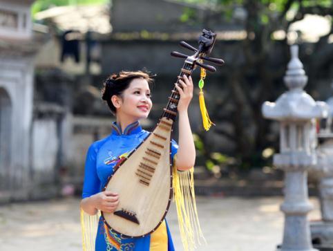 Thưởng thức trích đoạn giao hưởng số 9 của Beethoven qua nhạc cụ dân tộc Việt Nam