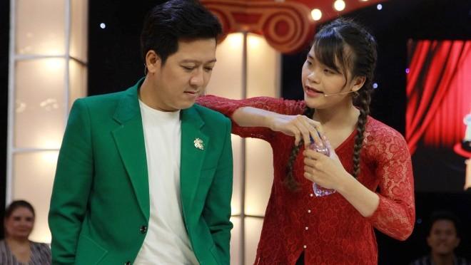 Thách thức danh hài tập 7: Ngô Kiến Huy bị 'gái' dập 'tơi tả' khiến Trấn Thành, Trường Giang cười hả hê