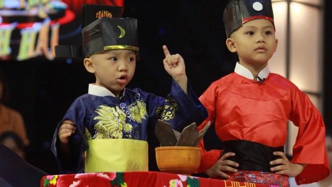 Thách thức danh hài: Chờ tập Gala xem 5 'chú tiểu' Bồng Lai hóa Bao Công khiến Trấn Thành cười 'té ghế'