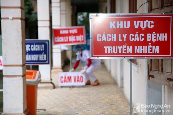 Dịch COVID-19: Nghệ An yêu cầu khai báo trung thực về việc tiếp xúc với người trên chuyến bay VN0054