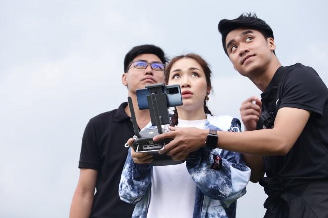 Đại chiến săn ảnh, dai chien san anh, Đại chiến săn ảnh tập 2, Hòa Minzy, Võ Hoàng Yến, học lái flycam, Bắt trọn kỳ quan trên không