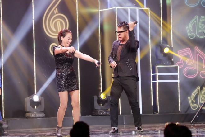'Ca sĩ ẩn danh': Nữ ca sĩ lần đầu tiên hát 'Áo mới Cà Mau' bằng 4 thứ tiếng