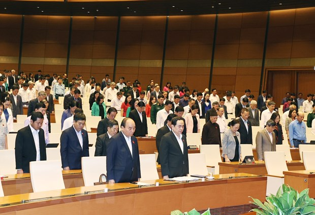 Kỳ họp thứ 10, Quốc hội khóa XIV: Việt Nam là ngọn hải đăng trong chống dịch COVID-19, điểm sáng trong tăng trưởng kinh tế
