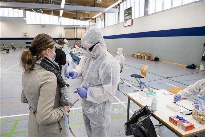 Dịch COVID-19: WHO liên lạc chặt chẽ với Anh về biến thể mới của virus SARS-CoV-2
