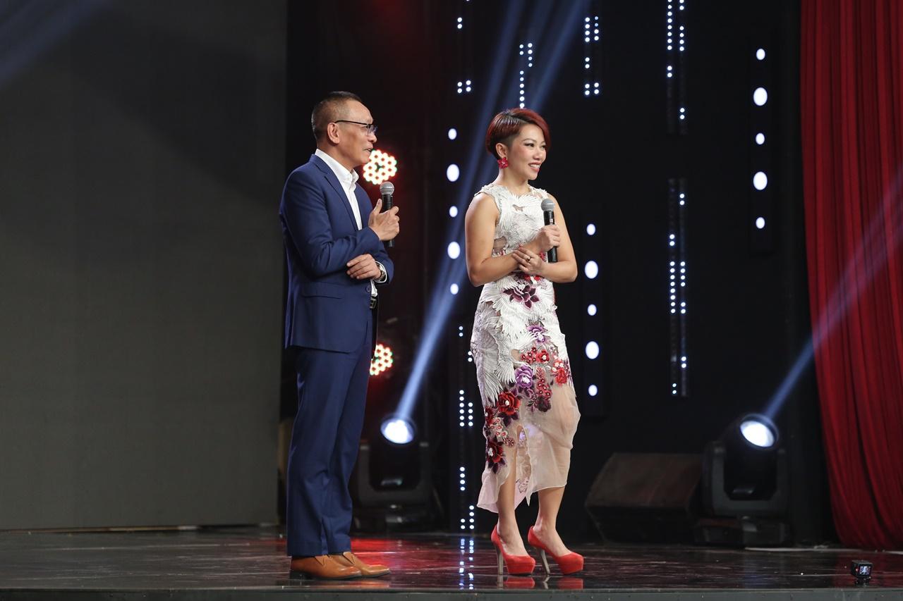 'Ký ức vui vẻ': Diva Hà Trần từng buồn vì 'bố' Trần Tiến không viết lời bài hát cho mình