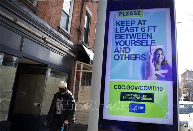 Dịch COVID-19: Số ca mắc và tử vong ở Mỹ và Canada tăng đáng lo ngại
