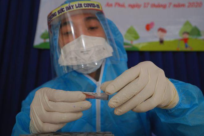 Dịch Covid-19: Chủng virus gây ra chùm ca bệnh ở sân bay Tân Sơn Nhất lần đầu tiên xuất hiện tại Việt Nam và Đông Nam Á
