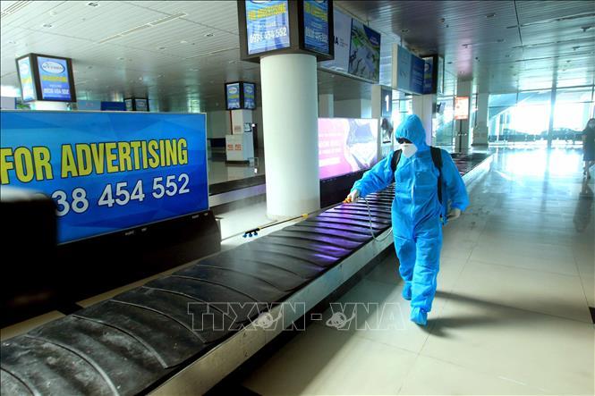 Hải Phòng: Đã có 41 người đi cùng chuyến bay với BN 2148 liên hệ, khai báo y tế