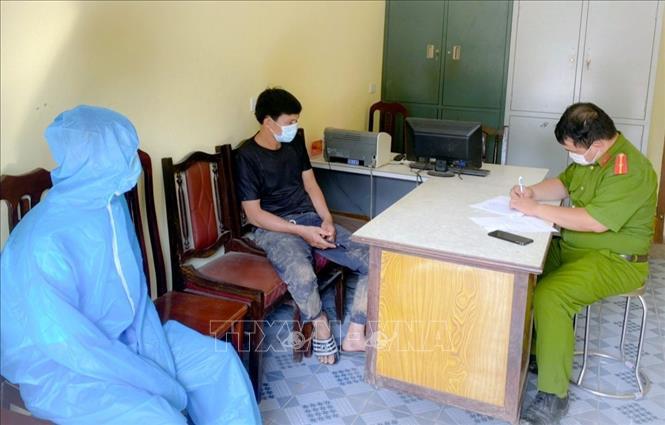 Xử lý nghiêm đối tượng đi xe máy từ Hà Nội về Quảng Ninh trốn trạm kiểm dịch Covid-19
