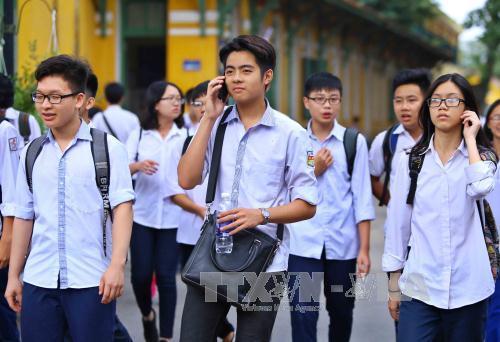 Điểm chuẩn lớp 10 Hà Nội, 40 trường công lập ở Hà Nội hạ điểm chuẩn vào lớp 10, hạ Điểm chuẩn lớp 10 Hà Nội, Điểm chuẩn lớp 10 Hà Nội mới nhất, Điểm chuẩn vào lớp 10