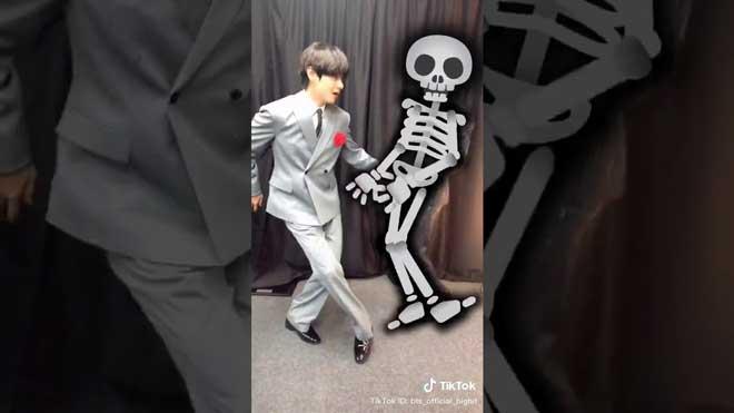 VIDEO: ARMY 'bấn loạn' với 3 clip TikTok chúc mừng Halloween lầy lội của BTS
