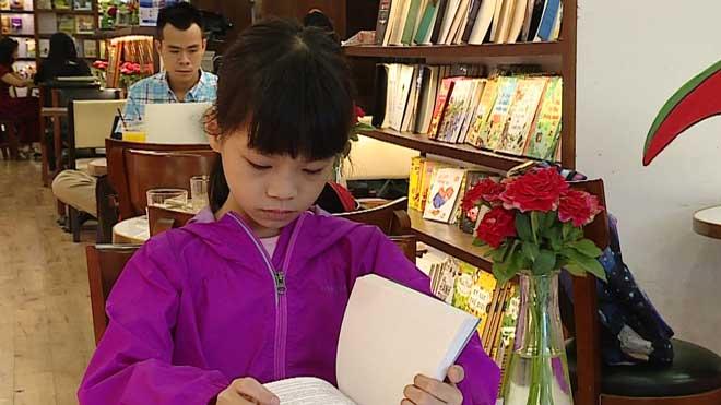 VIDEO: Cô bé 9 tuổi tiết lộ bí quyết giành giải đặc biệt cuộc thi sáng tác truyện đồng thoại 2019