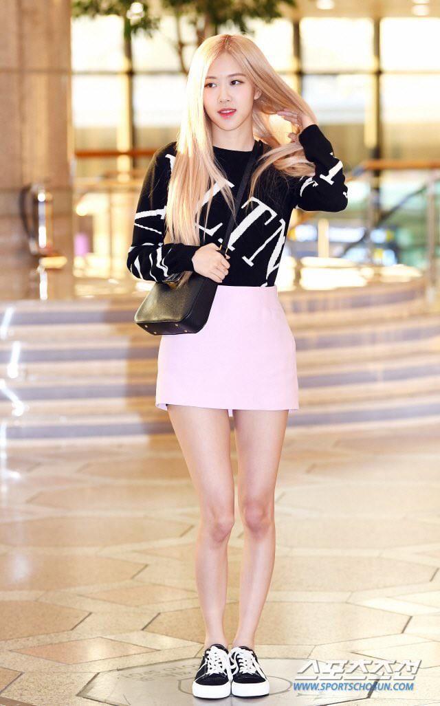 Blackpink, Rose Blackpink, Rose tham dự sự kiện thời trang, Rose đến Bắc Kinh, gu thời trang Rose Blackpink, tin tức Blackpink, ảnh Rose Blackpink, Rose debut solo