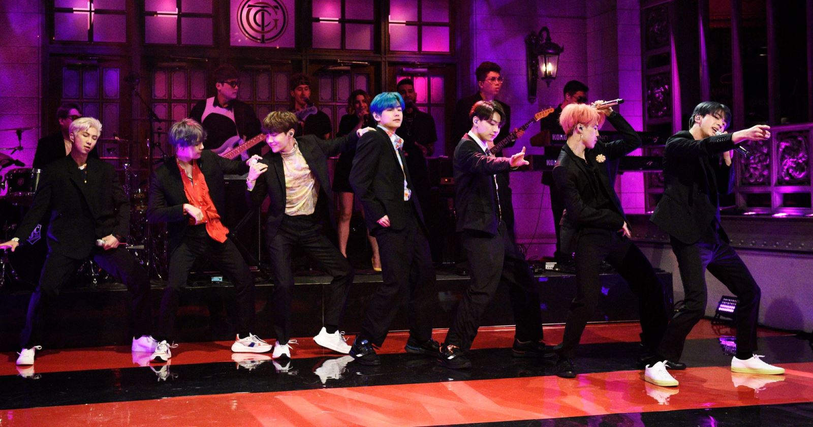 BTS, Bts, bts, Hannah Brown nhảy tango Boy with luv, dwts 2019, tin tức BTS, BTS youtube, BTS jungkook, boy with luv dancing with the stars, MV boy with luv bts