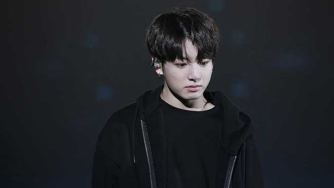 Bị cộng đồng mạng mỉa mai 'Hố đen của BTS', fan lo em út Jungkook bị tổn thương