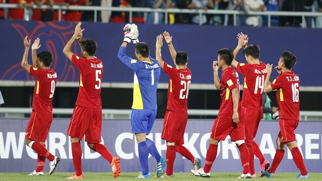 U20 Việt Nam quyết không thua như U20 Honduras, thủ môn Minh Hiếu nhận quà 'độc' từ đồng đội