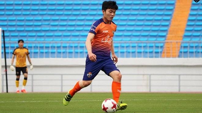 Xuân Trường lần đầu đá chính tại K-League Classic, Gangwon FC thắng kịch tích