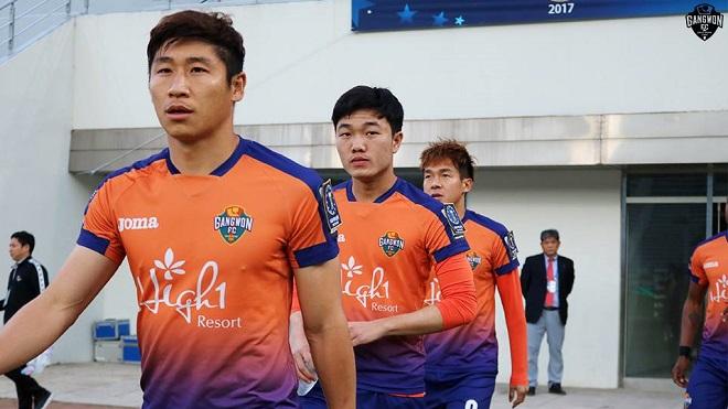 Đàn anh tại Gangwon FC mừng ra mặt khi chạm trán Xuân Trường