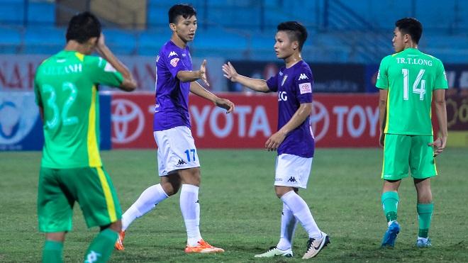 Đoàn Văn Hậu lập kỷ lục, Hà Nội FC lên ngôi đầu V-League 2017