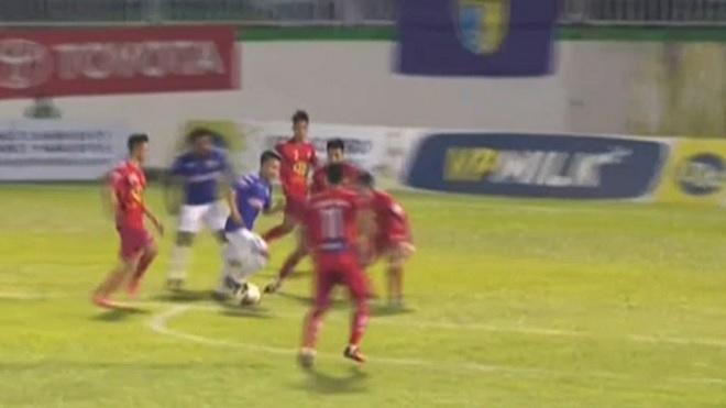 Hà Nội FC vừa bị từ chối, vừa được hưởng phạt đền trước HAGL