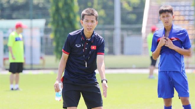 Cầu thủ U19 Việt Nam ngại tập lúc 6h00 sáng và kỷ luật 'thép'