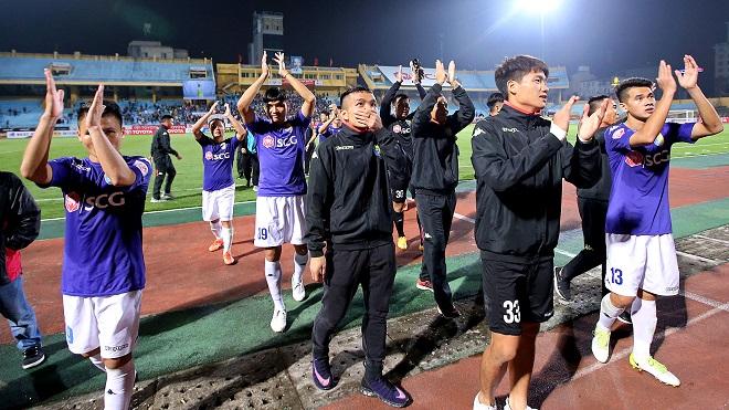 Trọng tài bằng tuổi Văn Quyết điều khiển trận cầu đinh vòng 26 V-League 2017