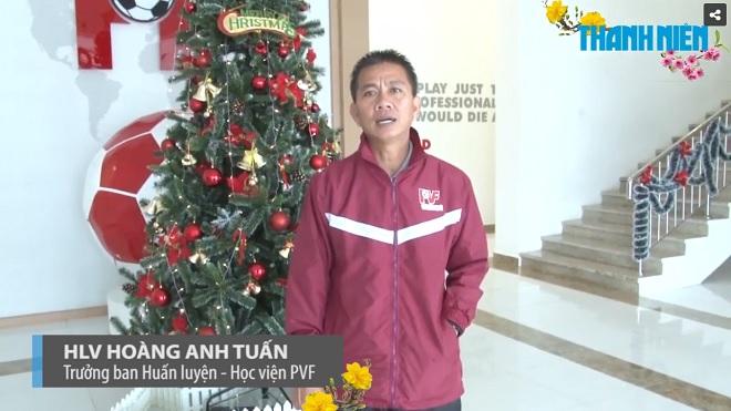 HLV Hoàng Anh Tuấn làm 'hướng dẫn viên', thủ môn Thái Lan bắt trận đầu ở trời Âu