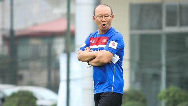 HLV Park Hang Seo lo học trò mất phong độ, các CLB V.League lần lượt hội quân