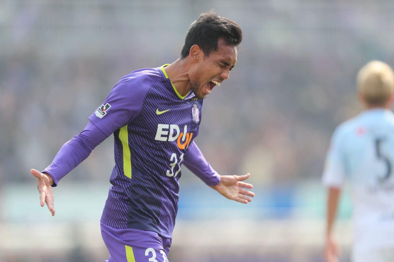 Tiền đạo Thái Lan lập kỷ lục ở Nhật Bản, Quảng Nam bỏ túi nửa tỷ đồng sau Siêu Cup