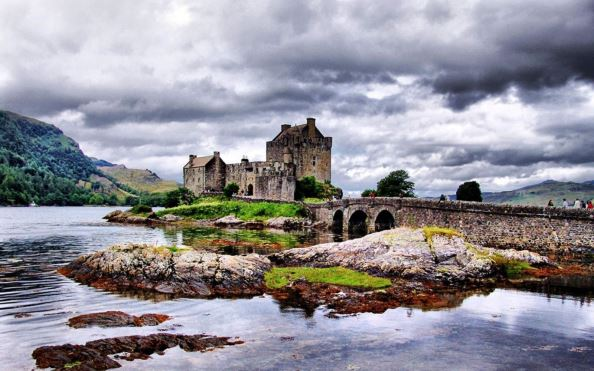 Ghé Châu Âu thăm 10 lâu đài chỉ có trong cổ tích