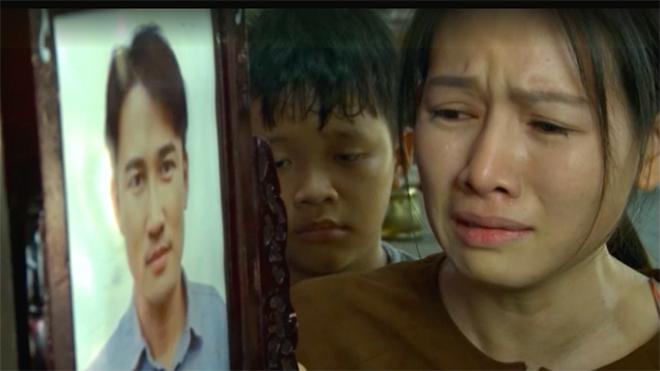 'Mẹ ghẻ': Phong qua đời sau khi vay 200 triệu đồng để chuộc con?