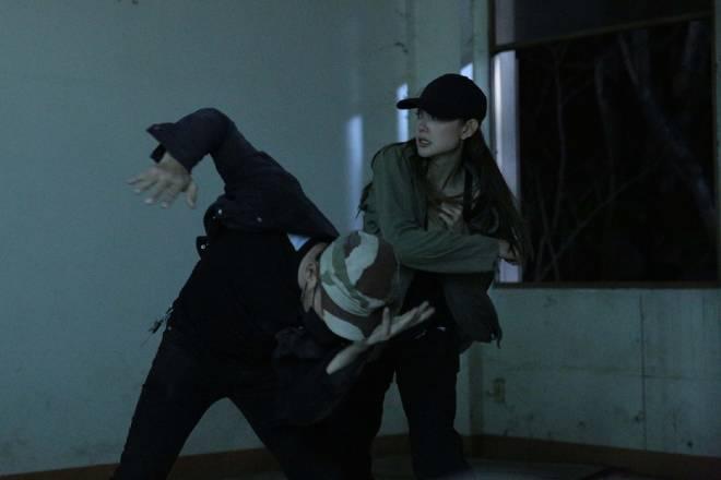 Minh Hằng, web drama Kẻ săn tin, xem web drama Kẻ săn tin, Minh Hằng diễn viên. Kẻ săn tin Minh Hằng, Minh Hằng ca sĩ, Kẻ săn tin tập 1, tập 1 kẻ săn tin