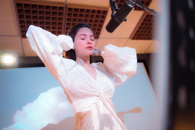 Hồ Ngọc Hà, Love Songs 2020, xem Love Songs 2020, nghe Love Songs 2020, Ho Ngoc Ha, album Love songs, Ho Ngoc ha Love songs,  mv cự tuyệt, cự tuyệt, nghe cự tuyệt