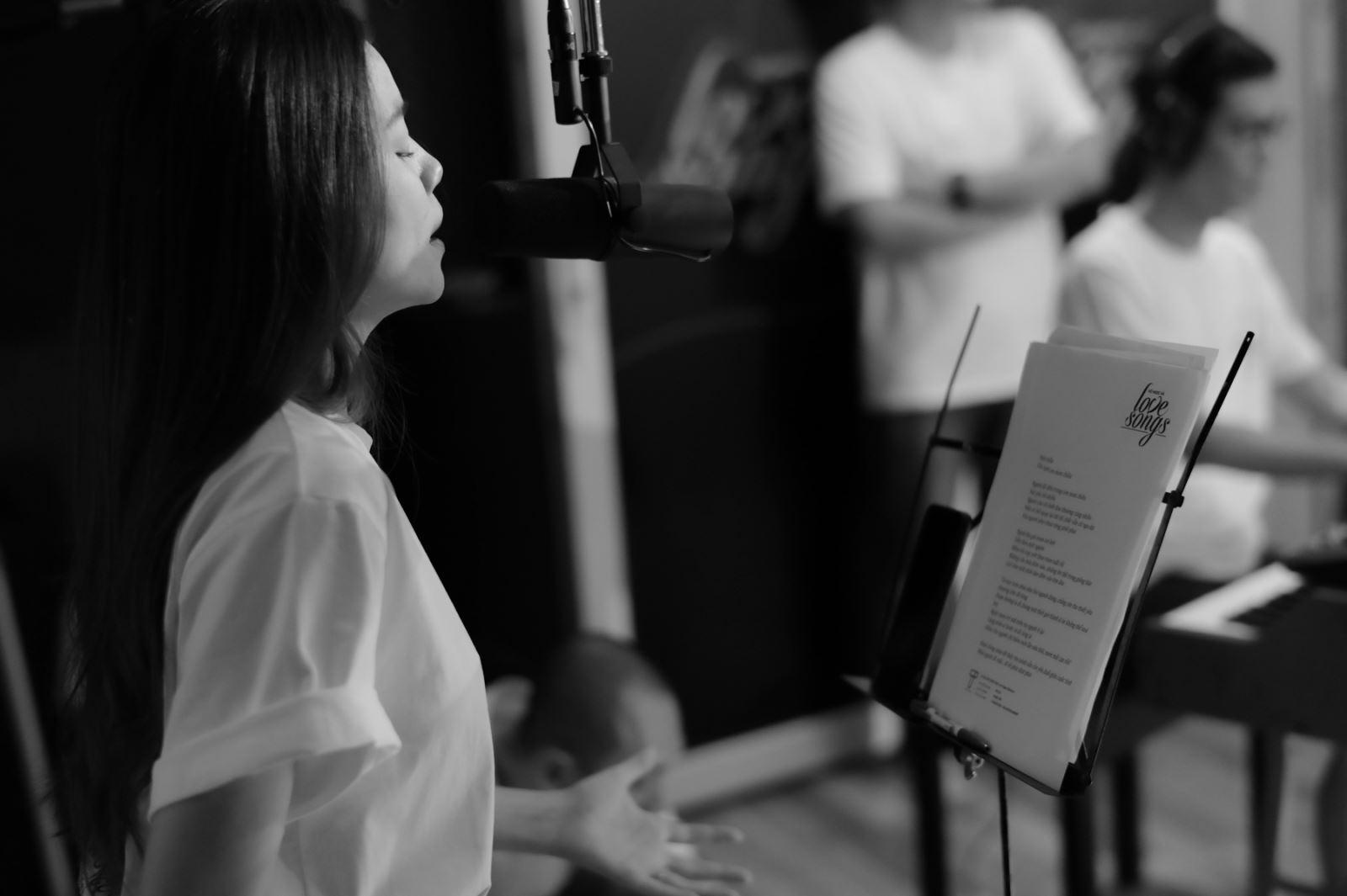 Hồ Ngọc Hà, Love Songs 2020, xem Love Songs 2020, nghe Love Songs 2020, Ho Ngoc Ha, album Love songs, Ho Ngoc ha Love songs, ha ho love songs